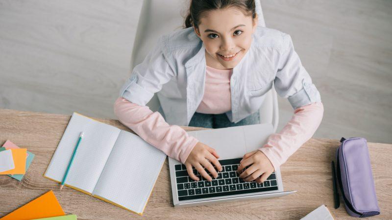 Estudiar en casa: Beneficios, desafíos, herramientas y más